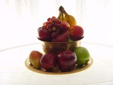 Free Fruit Bowl With Grapes Stock Photography - 1271722
