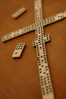Free Dominoes Royalty Free Stock Images - 1274189
