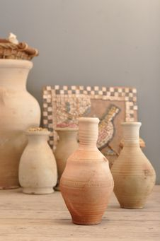 Free Ancient Jugs Royalty Free Stock Photography - 1275317