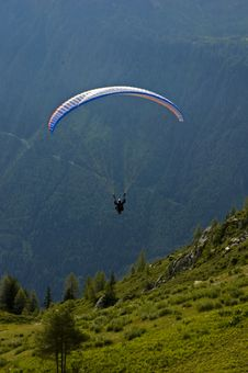 Free Parasending In The Alps Royalty Free Stock Photos - 1275808