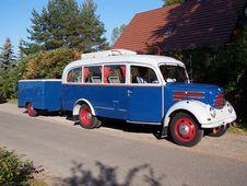 Free Old Touring Bus Royalty Free Stock Photo - 1275975