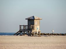 Free The Lifeguard Tower Royalty Free Stock Image - 1279686