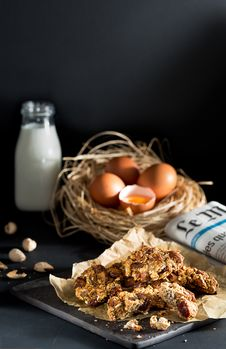 Free Four Poultry Eggs On Nest Royalty Free Stock Photography - 127260067