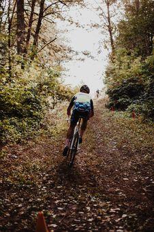 Free Man Riding A Bicycle Royalty Free Stock Photos - 127260568
