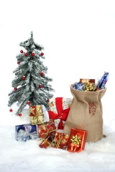 Free Christmas Gifts Royalty Free Stock Images - 12732319