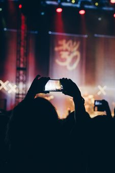 Free Person Using Phone At Concert Royalty Free Stock Photos - 127552168