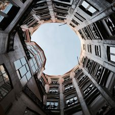 Free Low Angle Photography Of Round Building Royalty Free Stock Image - 127650236