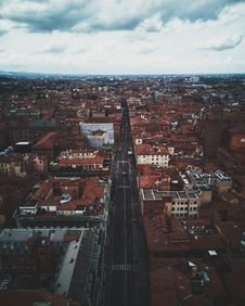 Free Bird S Eye View Of Town Royalty Free Stock Images - 127650259
