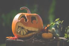 Free Jack O  Lantern On Top Of Wooden Surface Stock Photo - 127650650
