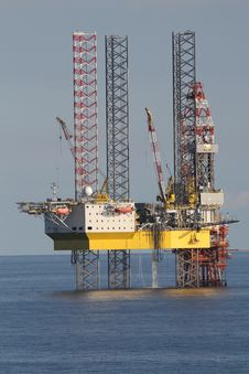 Free Oil Rig, Jackup Rig, Semi Submersible, Water Stock Photography - 127904952