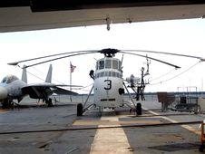 Free Military Plane Stock Image - 1282881