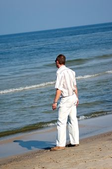 Free Man And Sea Royalty Free Stock Photos - 1286408