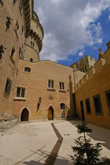 Free Castle Courtyard Stock Image - 1286591