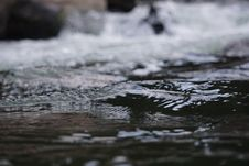 Free Macro Photo Of Water Flow Royalty Free Stock Photography - 128557937
