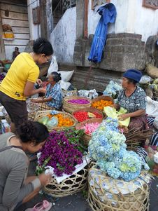 Free Market, Marketplace, Public Space, Flower Stock Photos - 128613023