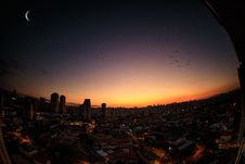 Free Scenic View Of City During Sunset Stock Photo - 128701430