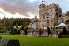 Free Stone Castle With Green Grass Front Yard Royalty Free Stock Images - 128807989