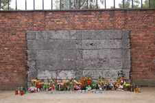 Free Auschwitz - Wall Of Death Royalty Free Stock Photography - 1290777