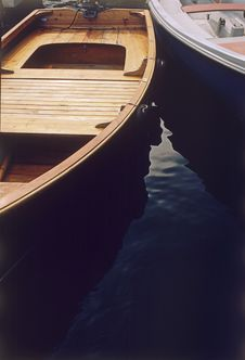 Free Boat Reflections Stock Images - 1292104
