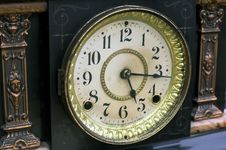 Free Antique Clock Stock Photography - 1293962