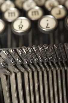 Free Worldly-wise Typewriter Royalty Free Stock Image - 1297106