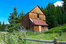 Free Brown Wooden Barn Royalty Free Stock Photos - 129026628