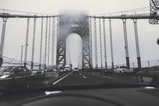 Free Grayscale Photography Of Cars On Bridge Royalty Free Stock Photo - 129026905