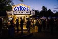 Free Group Of People Near Gyros Pita Wraps Food Stall Royalty Free Stock Photos - 129228468