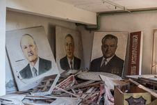 Free Three Portrait Paintings Men Wearing Black Suit Jackets Stock Image - 129251621