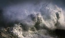 Free Crashing Waves Royalty Free Stock Photography - 129414797