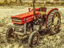 Free Tractor, Agricultural Machinery, Motor Vehicle, Agriculture Royalty Free Stock Images - 129752599