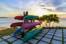 Free Six Assorted Kayak Boats Royalty Free Stock Photos - 129786628