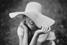 Free Woman Wearing Sun Hat Royalty Free Stock Images - 129875069