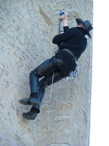 Free Man Climbing Royalty Free Stock Images - 133339
