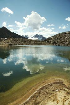 Free Beautiful Lake Stock Photography - 1308762