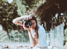 Free Photo Of Woman Taking Picture Royalty Free Stock Images - 130288869