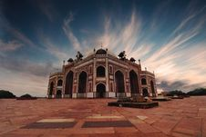 Free Brown And Black Mosque Under White And Blue Cloudy Sky Stock Photos - 130289593