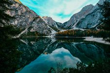 Free Photo Of Beautiful Mountain Scenery Near Body Of Water Royalty Free Stock Images - 130290539