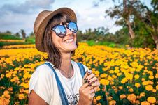 Free Woman Holding Yellow Petaled Flowers Stock Photos - 130422183