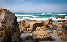 Free Seashore With Rocks Under Blue Sky Royalty Free Stock Photos - 130423488