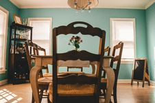Free Interior Of Dining Room Royalty Free Stock Photo - 130423635