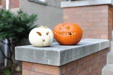 Free Selective Focus Photo Of Pumpkins On Ledge Royalty Free Stock Photos - 130492138