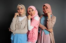Free Three Woman In Traditional Dress Taking Their Photo Shoot Royalty Free Stock Images - 130644669