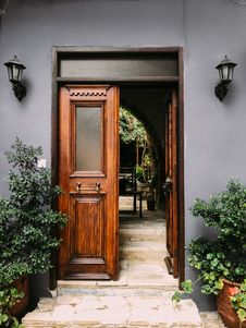 Free Opened Brown Wooden French Door Stock Photography - 130644752