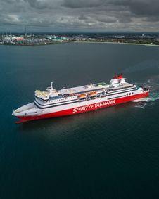 Free White And Red Spirit Of Tasmania Cruise Ship On Body Of Water Royalty Free Stock Photos - 130707098