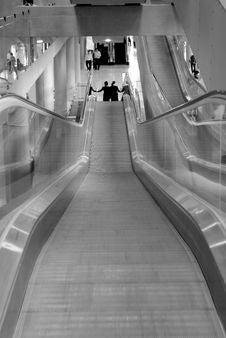 Free Escalators At Airport Royalty Free Stock Photography - 1315407