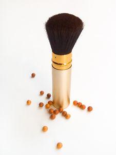 Free Powder And Brush Royalty Free Stock Image - 1316546