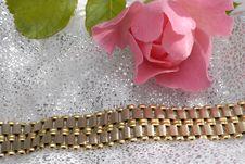 Free Gold Bracelet Royalty Free Stock Photos - 1317408
