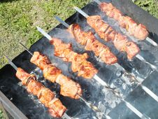 Free Grilling, Shashlik, Barbecue, Grilled Food Stock Images - 131165584