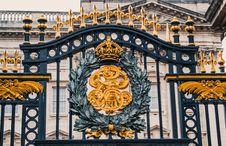 Free Close-Up Of Gate Of Buckingham Palace Royalty Free Stock Image - 131201046